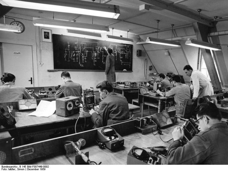Apprendisti nella fabbrica di Fürth (1959)