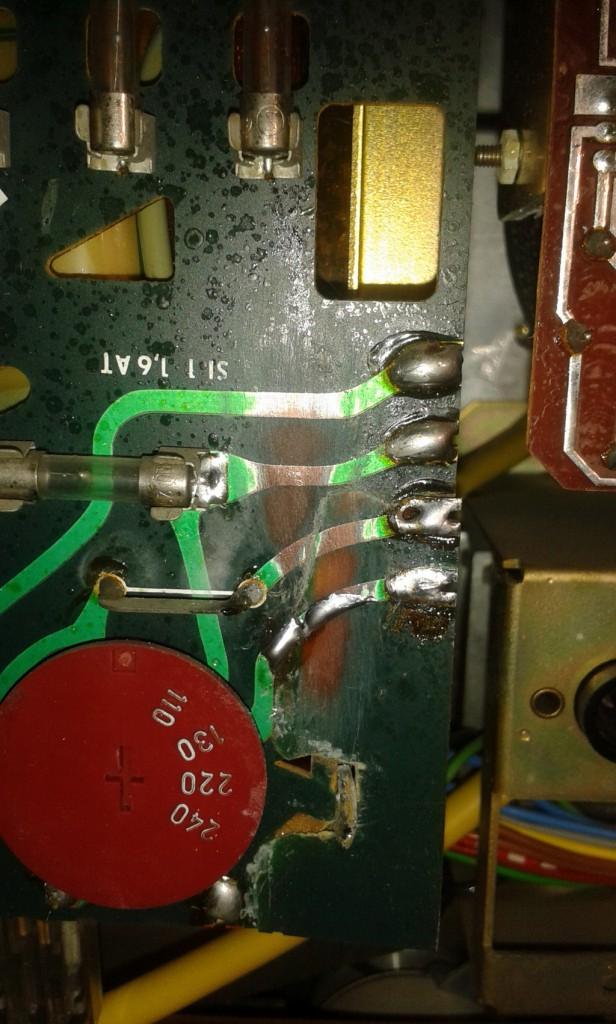 Grundig TS1000 scheda cambio tensione riparazione