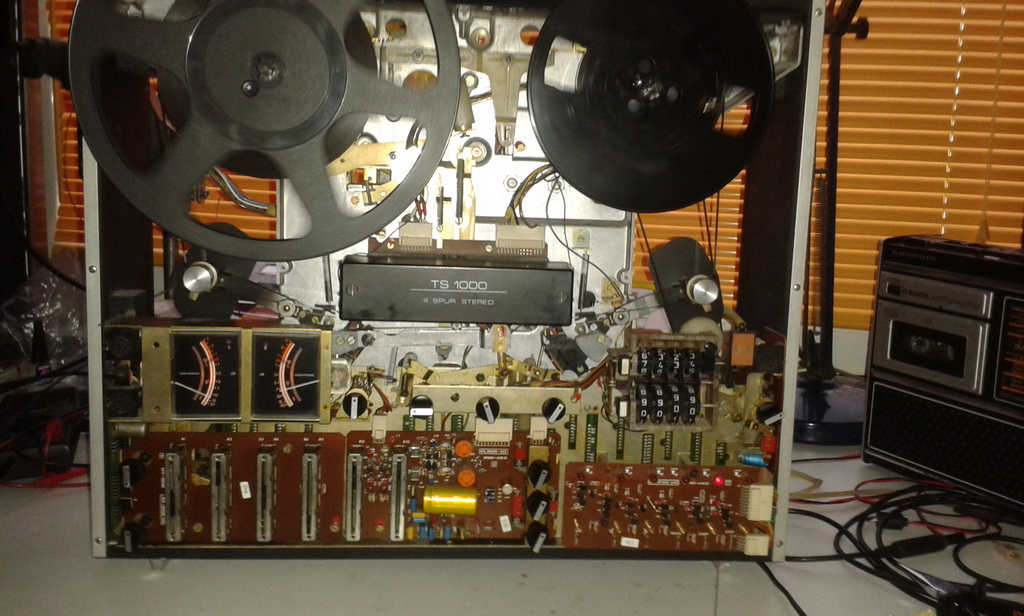Grundig TS1000