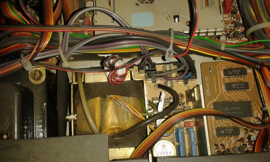 Grundig XPC 6500 TP panoramica interni