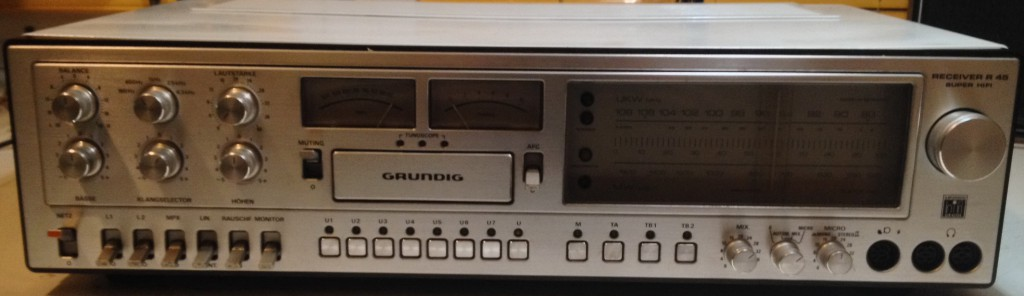 Grundig R 45 silver